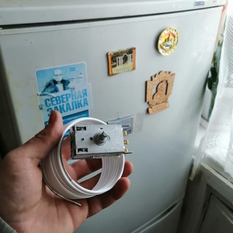 Замена термостата на холодильнике АТЛАНТ.