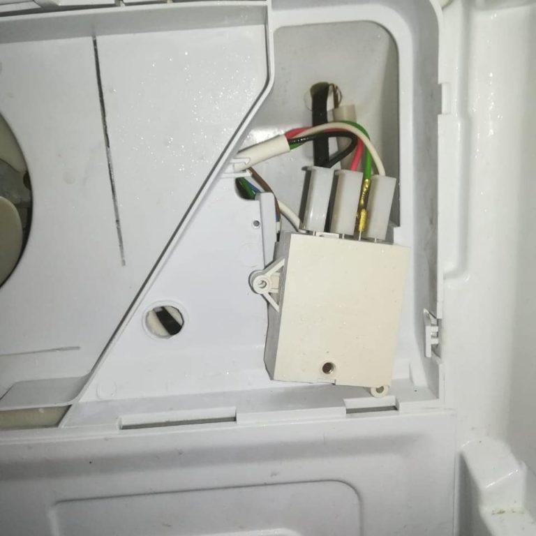 Обмерзание испарителя в холодильнике INDEZIT